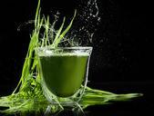 Detox. young barley, chlorella superfood. — Stock Photo