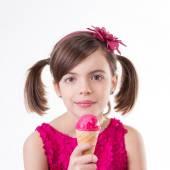 Little cute girl with ice cream over white — ストック写真