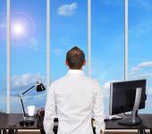 Empresario en oficina — Foto de Stock