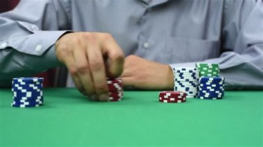 Dealer recounts poker chips — Stock Video