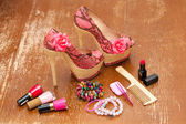 Women shoes pink. women's accessories. Stylized snake skin. Photo on vintage board — 图库照片
