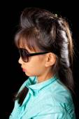 Beautiful tanned girl in sunglasses and fashionable hairstyle. Girl with Asian appearance — Stock Photo