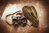 军事双筒望远镜,士兵领域帽,乔治丝带。复古风格的假期可能 9 胜利 — 图库照片