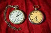 Skutečné starožitné kapesní hodinky — Stock fotografie