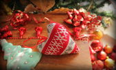 Christmas decoration- knitted heart — Stock Photo