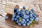 Blueberries over old wooden table. — Zdjęcie stockowe