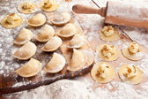 Vareniki (dumplings) with potatoes and onion. — Foto Stock