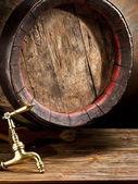 Old oak wine barrel. — Stock Photo