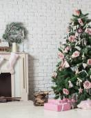 Image of chimney and decorated xmas tree with gift — Photo