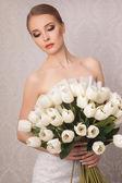 Beautiful and fashion bride in luxury interior — Stock Photo