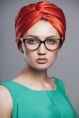 Beautiful and fashion girl in sunglasses, close-up portrait, studio shot — Stock Photo