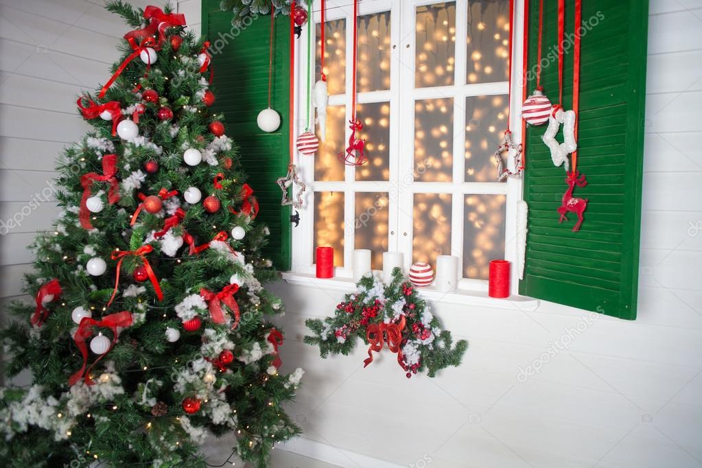 Casa decorada de navidad deja que el rojo lo envuelva - Casas decoradas en navidad ...