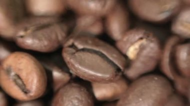 Roasted coffee beans. — Stock Video