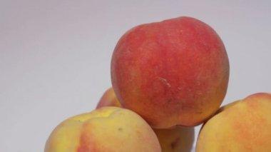 Juicy ripe peaches — Stock Video