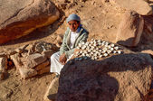 Bedouin guy selling — Stock Photo