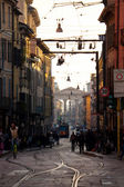 Busy urban life in the street of Milan, Italy — Stock Photo