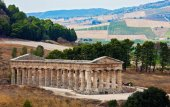 Doric temple of Segesta — Stock Photo