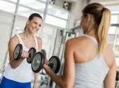 Women training in the gym — Foto de Stock
