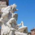 Fontana dei quattro fiumi en la piazza navona, Roma — Foto de Stock   #61903699