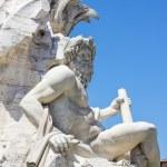Fontana dei quattro fiumi en la piazza navona, Roma — Foto de Stock   #63185947