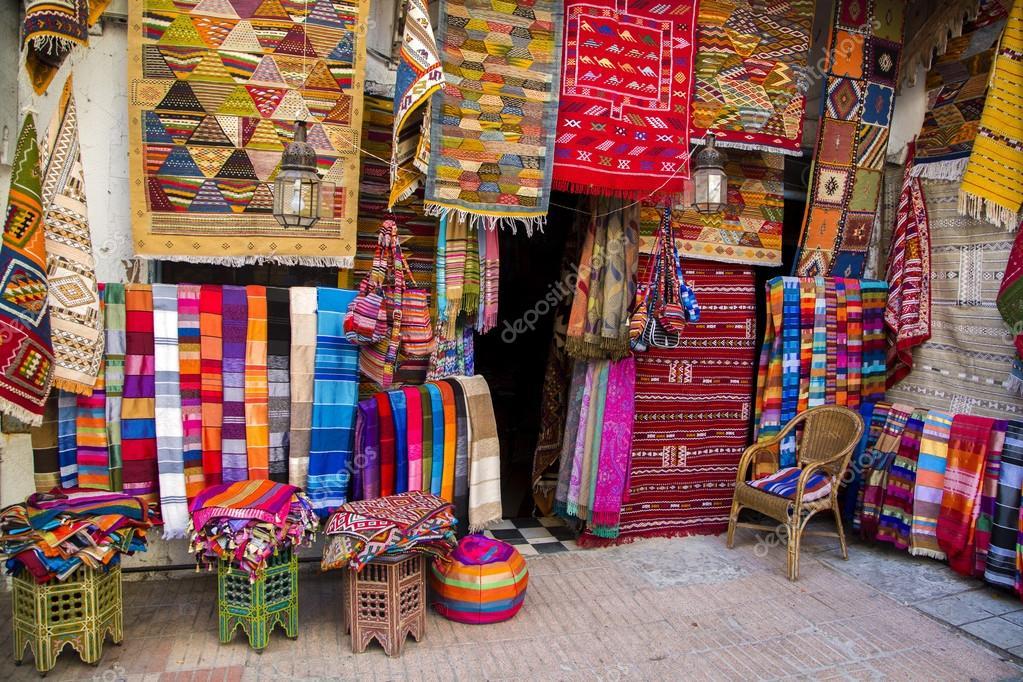 Farbenfrohe Stoffe Auf Dem Markt Von Agadir In Marokko