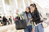 Young women taking selfie — Stock Photo