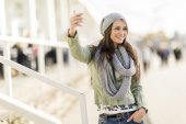 Young woman taking selfie — Stock Photo