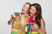 Girls taking selfie with smartphone — Stock Photo