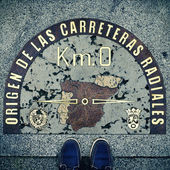 Kilometre Zero point in Puerta del Sol, Madrid, Spain, with a re — Stock Photo