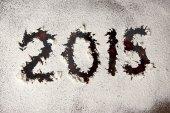 Inscrição de novo ano 2015 escrita na janela — Fotografia Stock