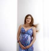 Portrait of the young pregnant woman — Stock Photo