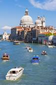 Traffic on Canal Grande — Stock Photo