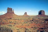 View of Monument valley under the blue sky — Stock Photo