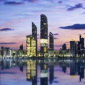 Abu Dhabi Skyline at sunset — Foto de Stock