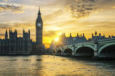 Famous Big Ben clock tower in London at sunset — Stock Photo