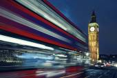 Big Ben and bus by night — Stock Photo