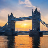 Famous Tower Bridge at sunrise — Stock Photo