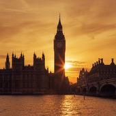 Big Ben clock tower in London at sunse — Stock Photo