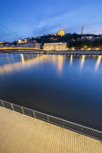 Vertical view of Saone river at Lyon by night — Foto de Stock