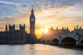 Famous Big Ben at sunset — Stock Photo