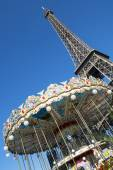 Eiffel tower and carousel — Stock Photo