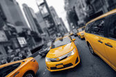 Yellow Cab at Times Square — Stock Photo