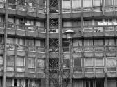 Black and white Robin Hood Gardens London — Stok fotoğraf