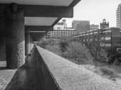 Black and white Barbican estate in London — 图库照片