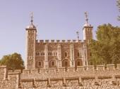 ロンドン塔を探してレトロ — ストック写真
