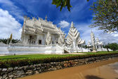 White Temple - Wat Rong Khun in Chiang Rai at sunny day — Stock Photo