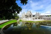 White Temple - Wat Rong Khun in Chiang Rai at sunny day — Foto de Stock