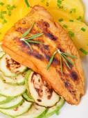 Baked whitefish with orange juice — Stock Photo
