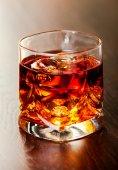 Виски на скалах коктейль — Стоковое фото