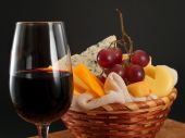 Cheese, grapes And Wine — Stock Photo